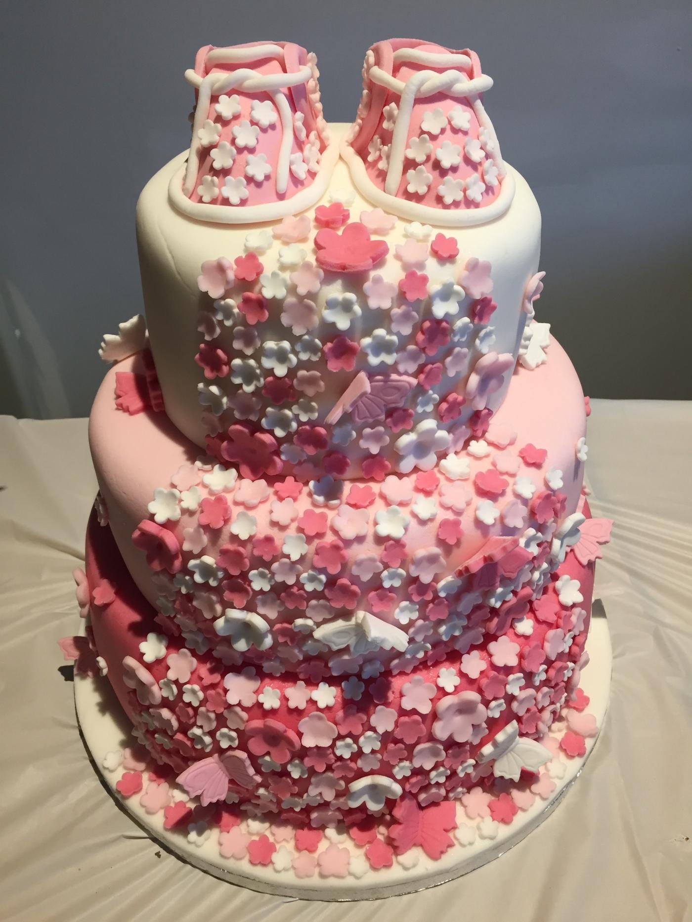 CELEBRATION CAKES – Davison\'s Bakery